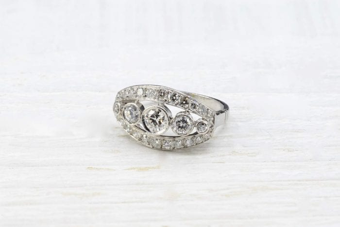 18k white gold diamonds ring