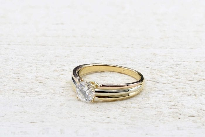 18k yellow diamond solitaire gold ring with diamonds