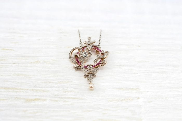 ruby and diamonds pendant