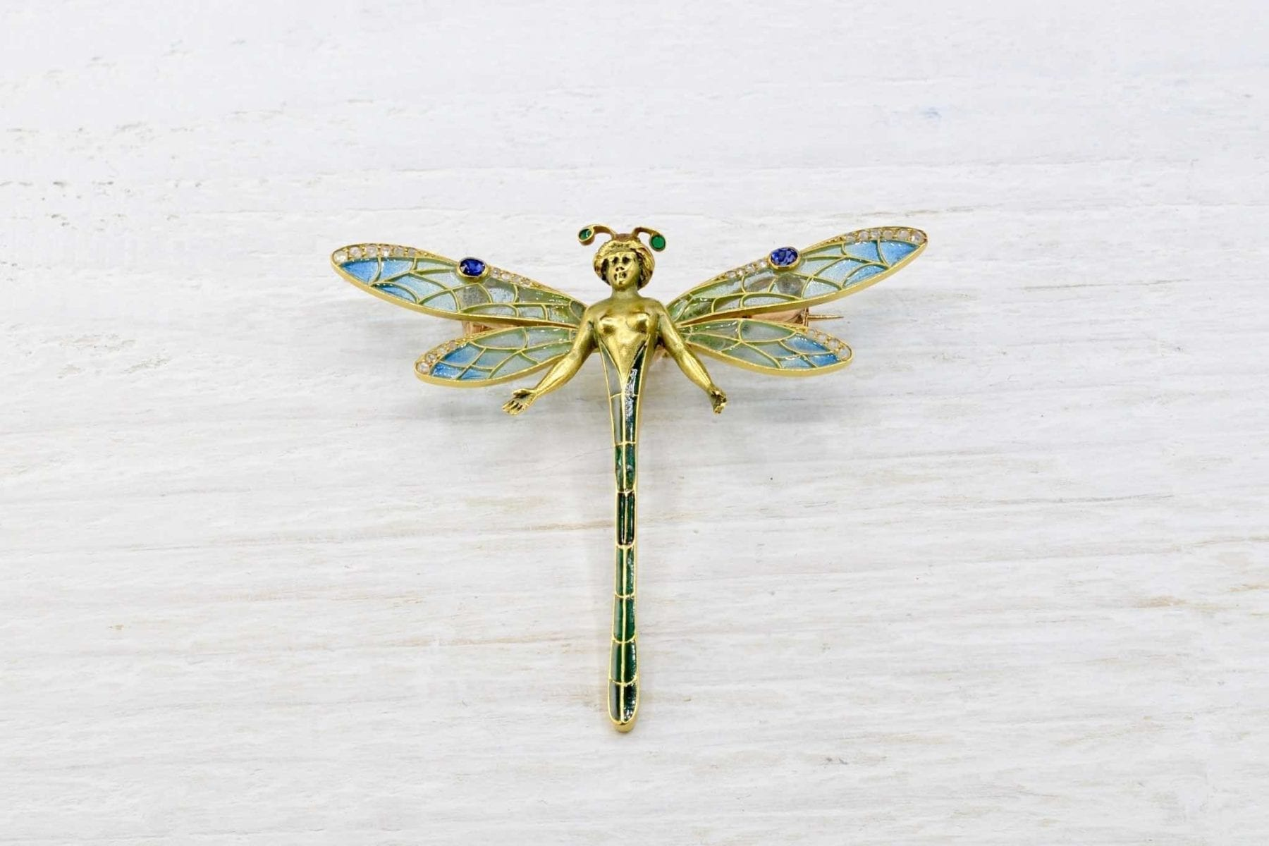 18k gold brooch