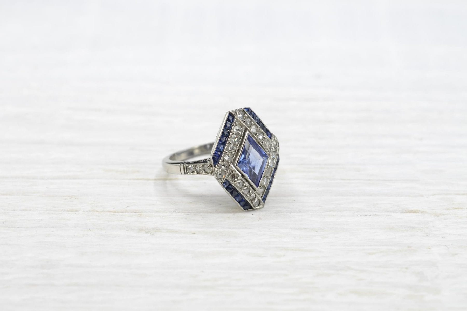 Engagement sapphire ring