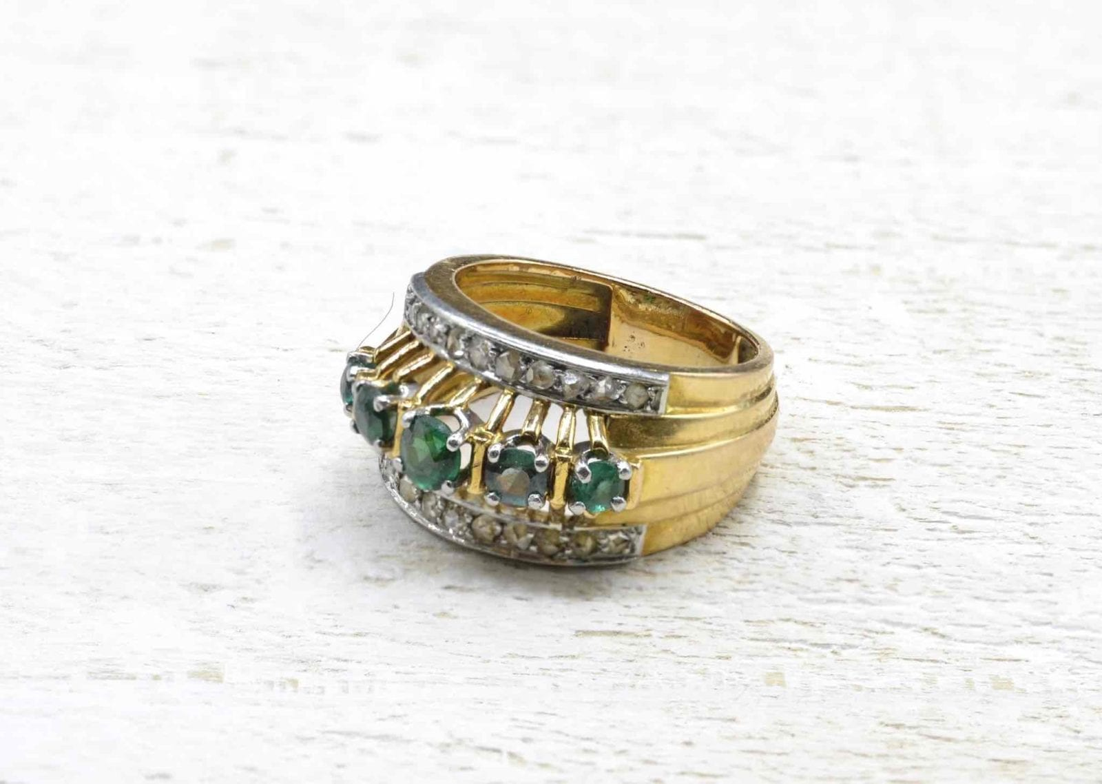 bague émeraudes et diamants en or 18k