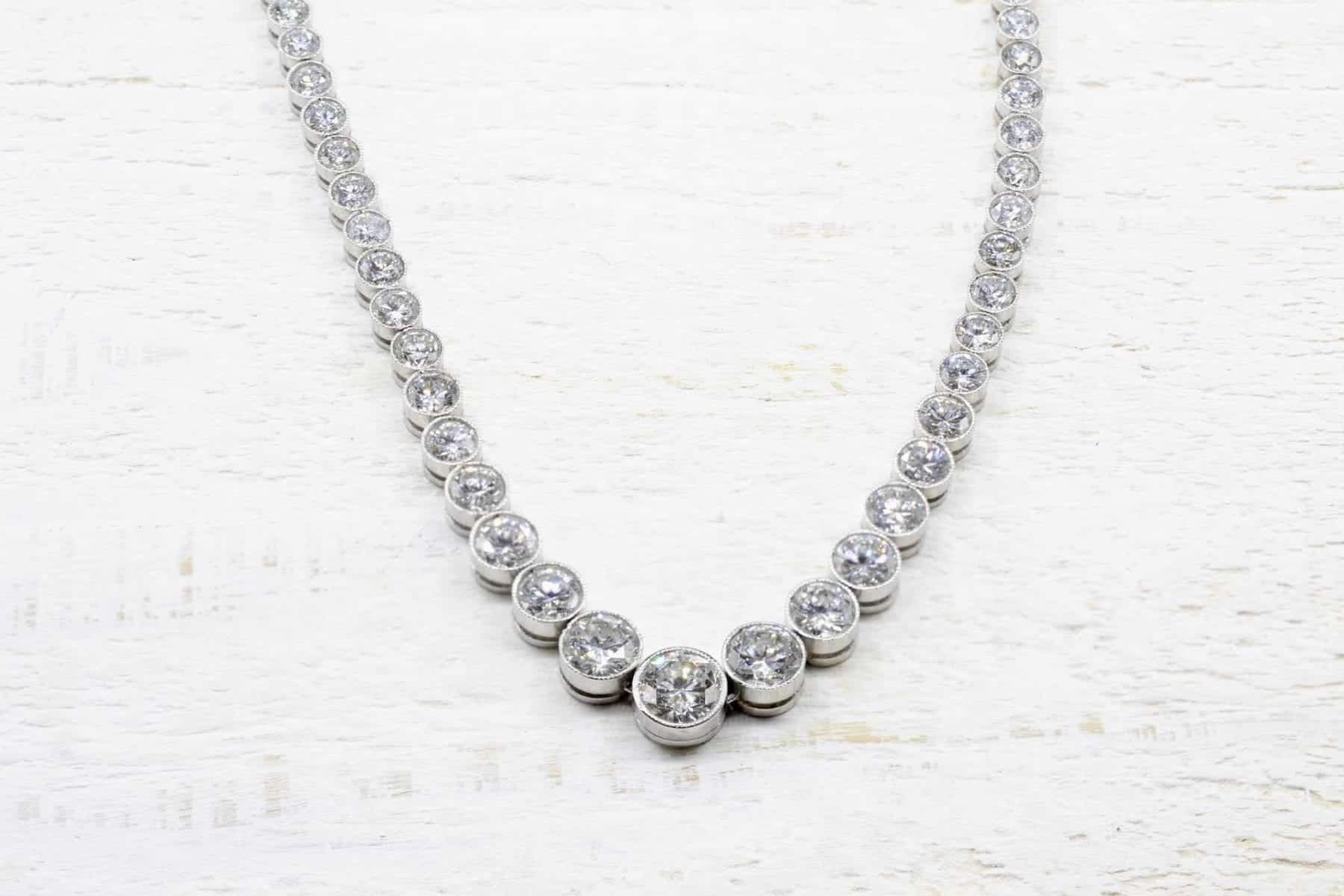 Collier rivière de diamants en platine