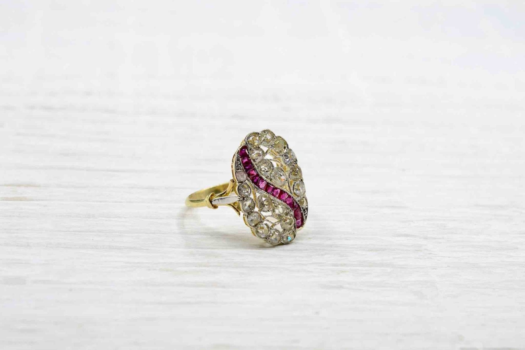 bague rubis diamants vintage