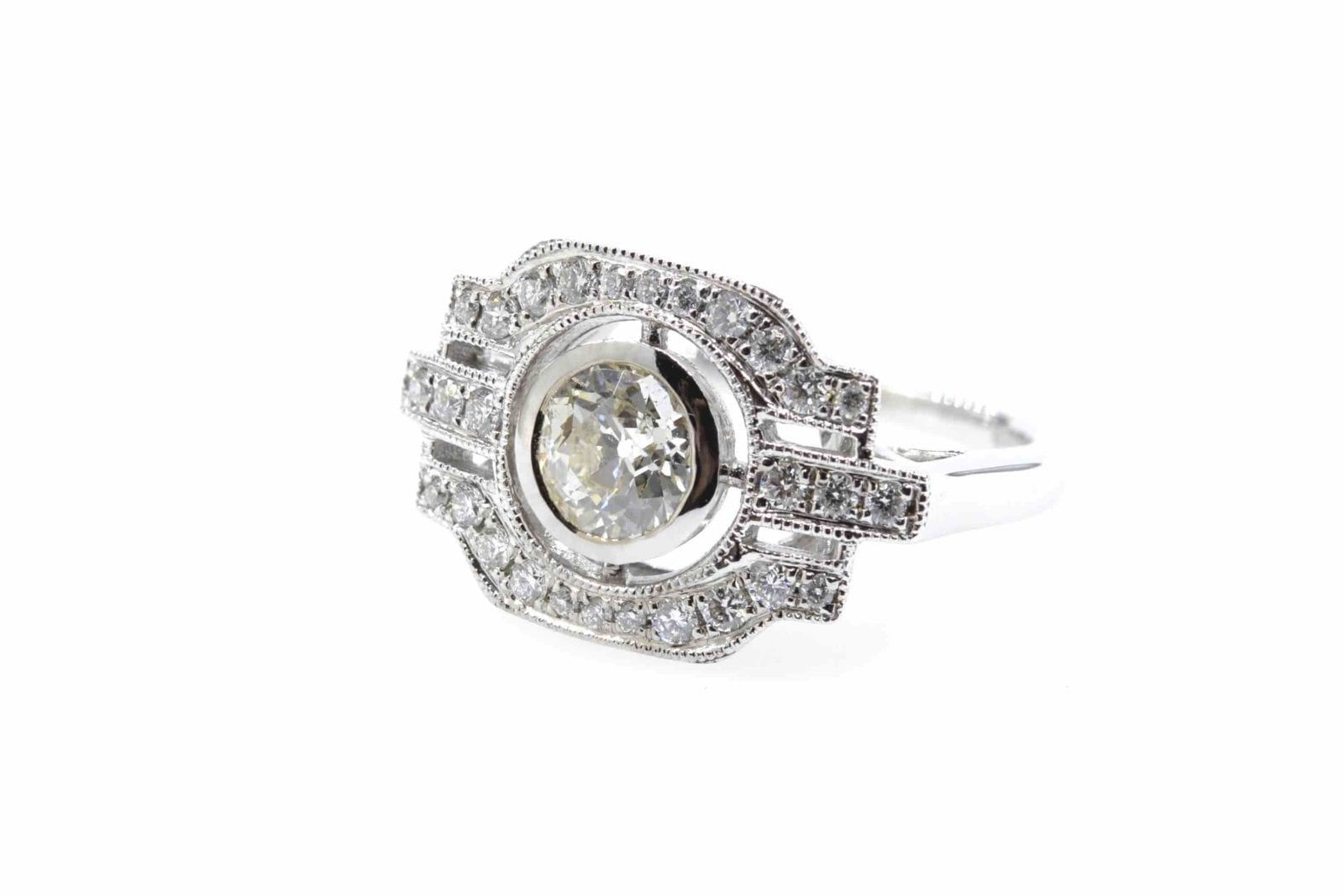Bague de style vintage diamants en or blanc 18k