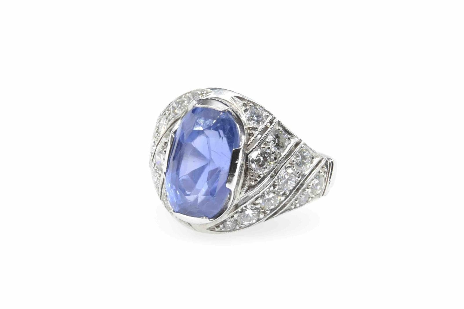Bague saphir de Ceylan et diamants