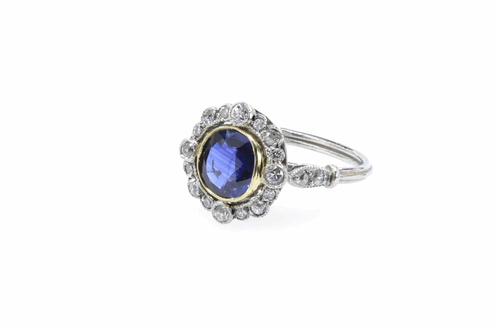 Bague saphir et diamants en platine
