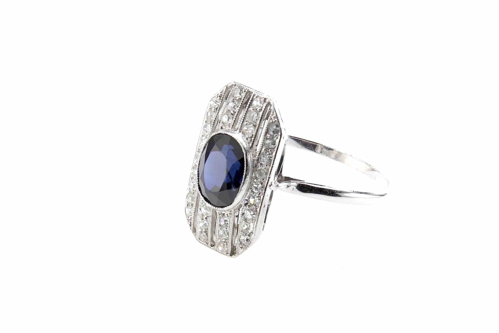 Bague vintage saphir et diamants en or blanc 18k